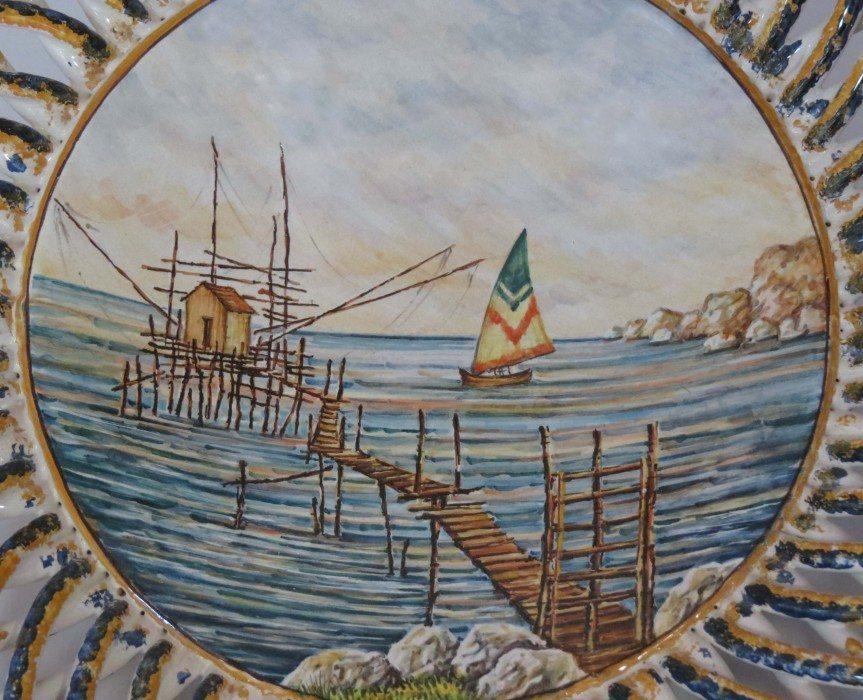 Centrotavola in ceramica italiana, dipinto a mano trabocco, Ceramiche Liberati