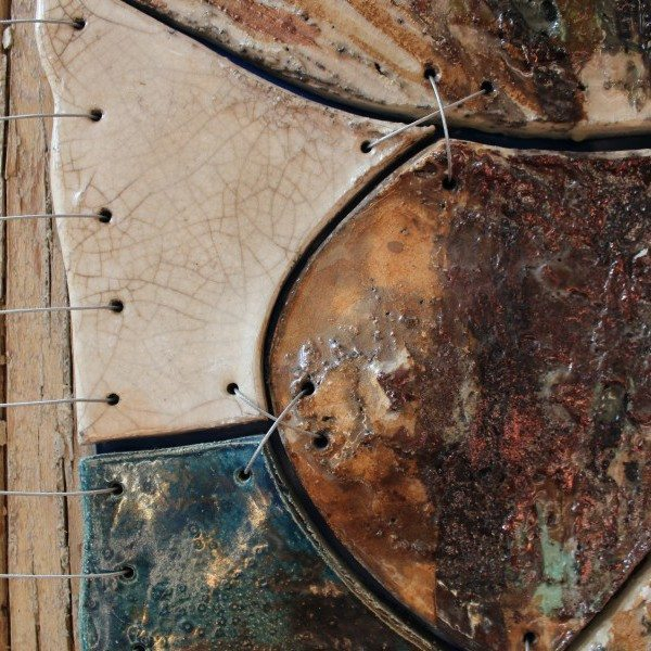 Pannello in ceramica raku, acciaio e legno, Ceramiche Liberati