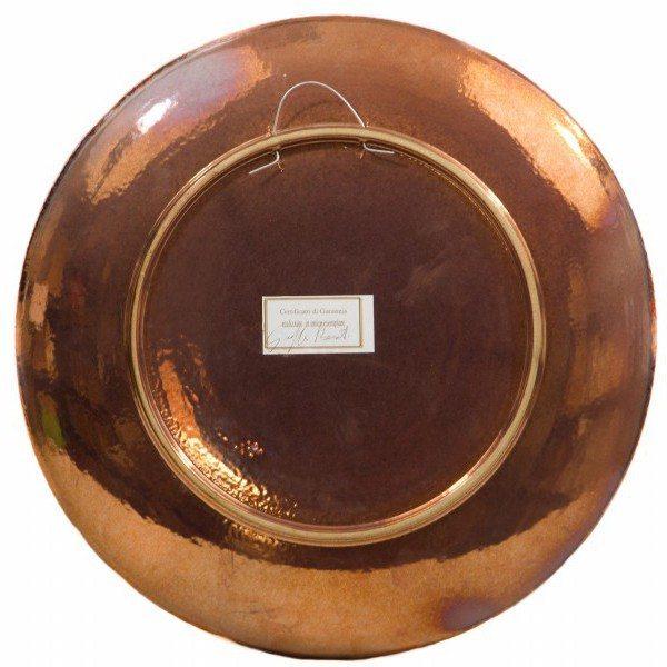 Piatto moderno in ceramica, con a applicazioni e sfere a rilievo, realizzato tecnica di lavorazione della ceramica Riflesso. Ceramiche Liberati.