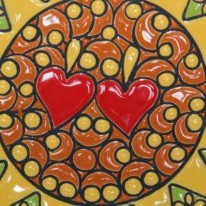 Piatto da muro in ceramica Presentosa due cuori, verde e arancione, Ceramiche Liberati