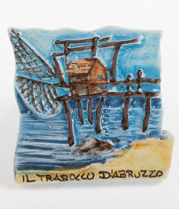 Calamita a rilievo trabocco, dipinto a mano, Ceramiche Liberati