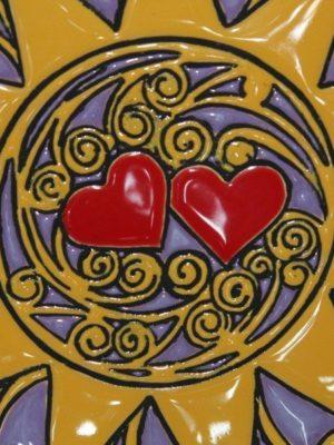 Piatto in ceramica, decoro Presentosa, due cuori, Ceramiche Liberati, Italia