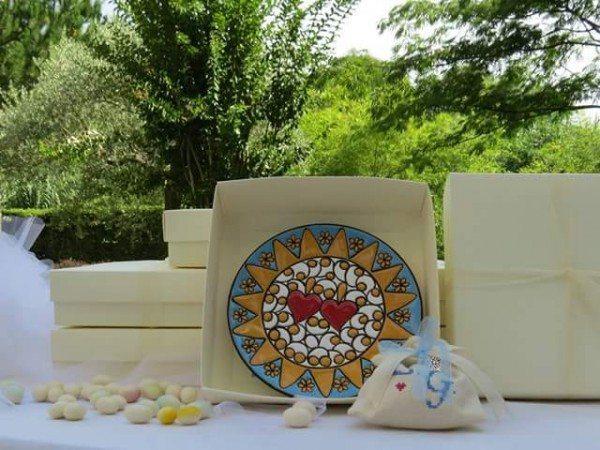 Bomboniere personalizzabili in ceramica artigianale di Ceramiche Liberati