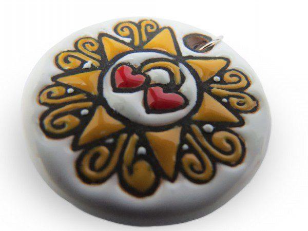 Ciondolo Presentosa due cuori sfondo bianco_Ceramiche Liberati