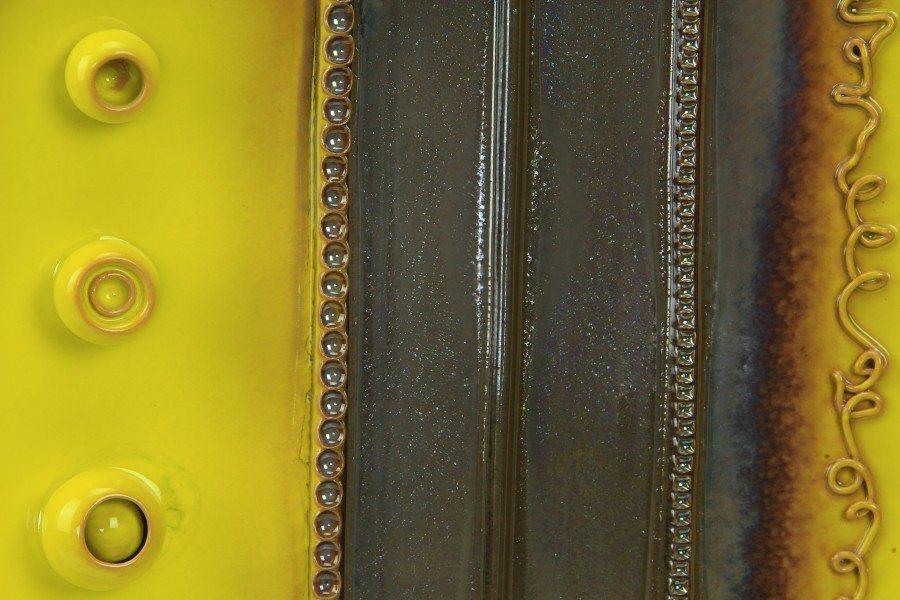Piatto da muro in ceramica artistica con applicazioni e riflessi, Ceramiche Liberati
