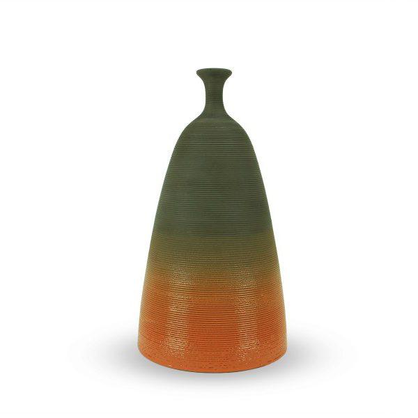 Bottiglia decorativa in argilla nera con collo allungato, Ceramiche Liberati