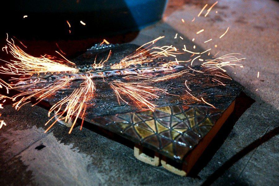 Shock termico subito dalla ceramica nella tecnica di lavorazione raku, Ceramiche Liberati