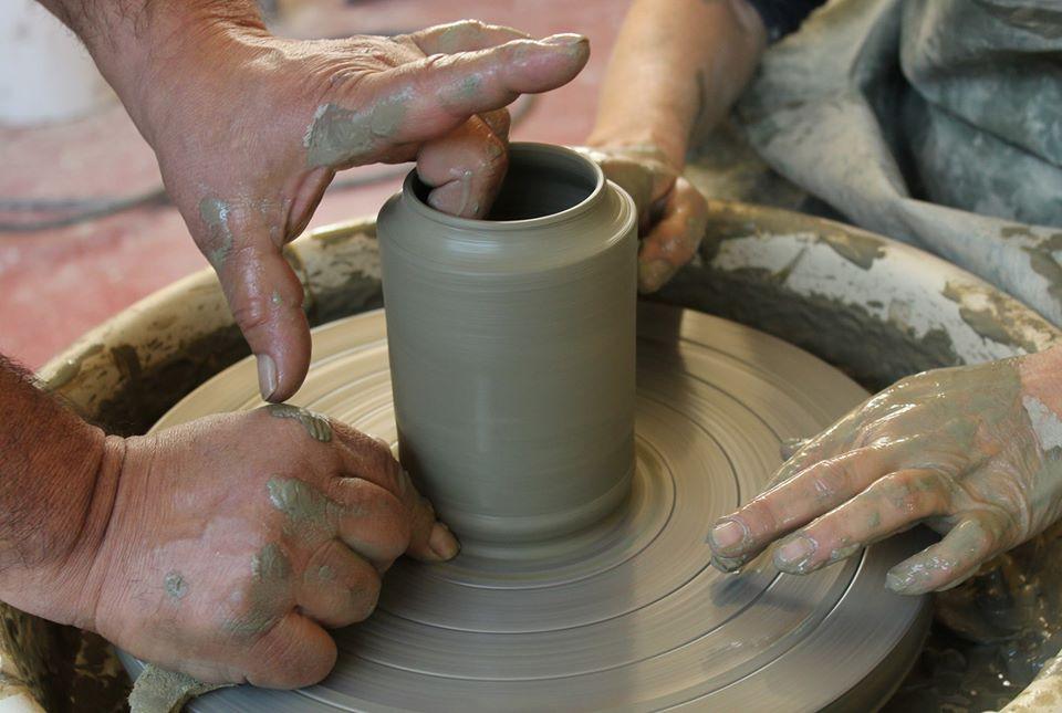 Corsi di ceramica foggiatura al tornio, Ceramiche Liberati