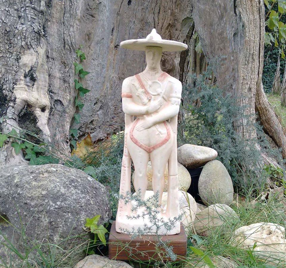 Guerriero di Capestrano in ceramica artigianale, Ceramiche Liberati