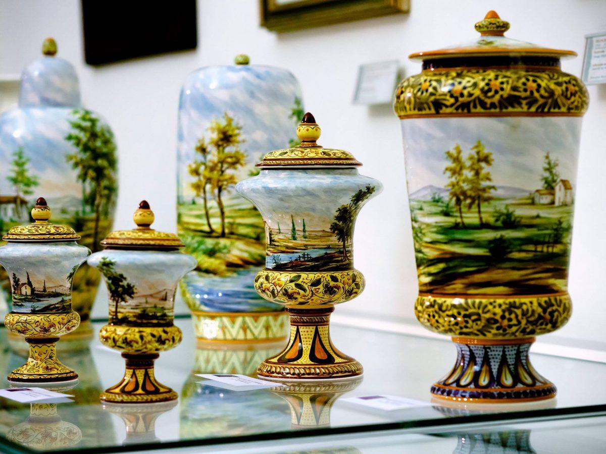Paesaggi su ceramica dipinto a mano di Ceramiche Liberati