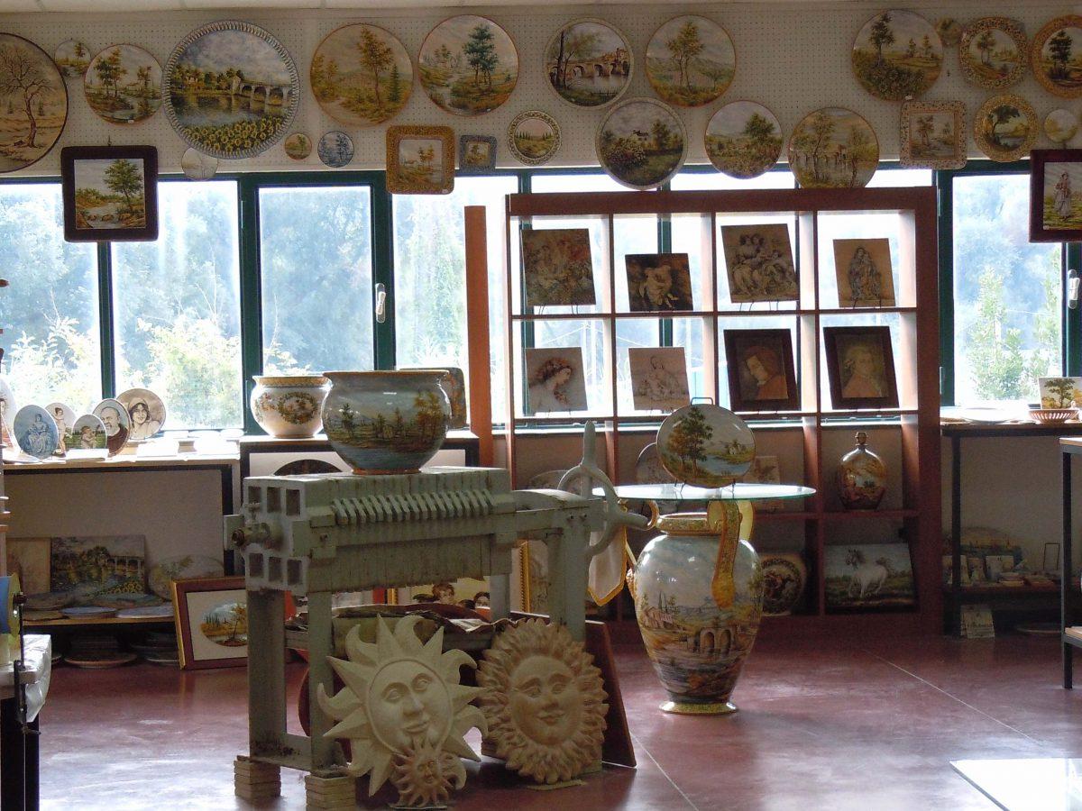 Ceramica abruzzese esposizione e punto vendita di ceramiche liberati