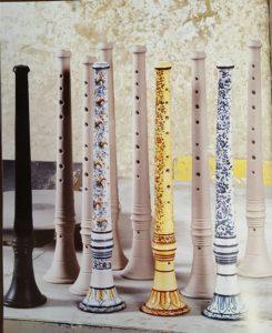 Strumenti musicali natalizi-zampogne e ciaramelle in ceramica artigianale_Ceramiche Liberati