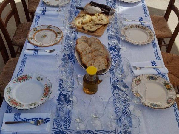 Servizio di piatti in ceramica artigianale di Ceramiche Liberati